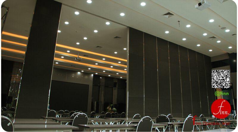 ผนังบานเลื่อนกั้นห้องประชุม กันเสียง FINN De'cor เปลี่ยนห้องประชุมขนาดใหญ่ ให้เป็นห้องประชุมขนาดย่อย ๆ ได้ทันใจ